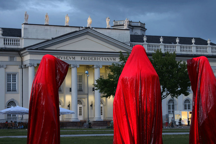 Artwork >> Manfred Kielnhofer >> Guardians of Time - public art Documenta Kassel